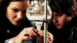 Regina-and-Henry-3-2X08-once-upon-a-time-32872758-1366-768