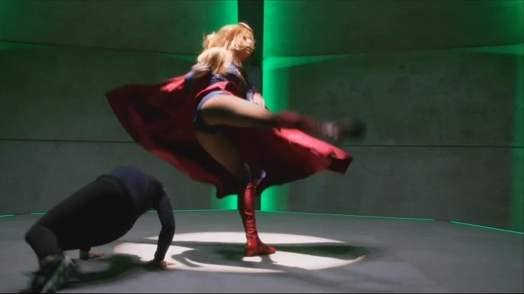 Melissa-Benoist--Supergirl-S01E08-Hostile-Takeover-37
