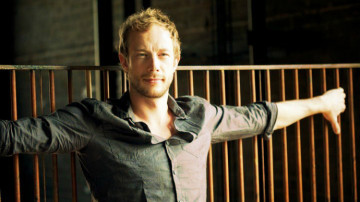 Kris-Holden-Ried-lost-girl-30775430-720-480