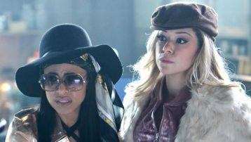 Orphan Black - 05x06 - Manacled Slim Wrists