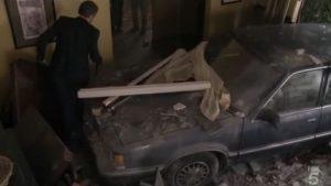 house entra com o carro na casa da cuddy