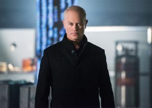 damien-darhk-neal-legends-of-tomorrow-800x569