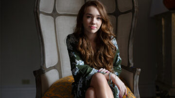 holly taylor manifest