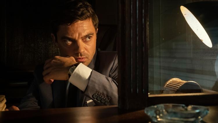 spy city dominic cooper sentado 1.ª temporada
