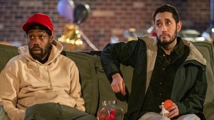 Kevin e Dan no piloto de Flatbush Misdemeanors